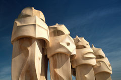Schoorstenen van Casa Mila in Barcelona Royalty-vrije Stock Afbeeldingen
