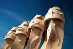 Schoorstenen van Casa Mila in Barcelona Stock Fotografie