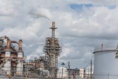 Schornstein an der Erdölraffinerie in Pasadena, Texas, USA stockbild