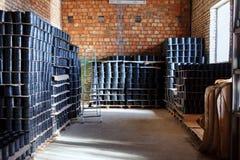 Schorskoppeling Het passen voor Plastic die pijpen in een van de het gebruiksloodgieterswerk of riolering van de pakhuiswerf inst stock afbeeldingen
