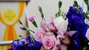 Schot van Bloem & kaars voor een begrafenis wordt gebruikt die stock foto