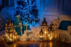 Schot van de kerstboom het binnenlandse studio stock fotografie