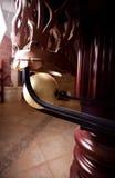 Schot van witte bal in de zak van het biljartleer Royalty-vrije Stock Afbeelding