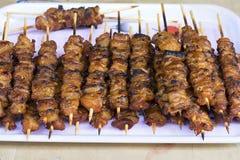 Schotel van geroosterd varkensvlees op de straat van Hanoi stock afbeeldingen