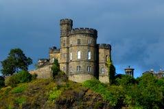 Schots kasteel in onweer stock afbeelding