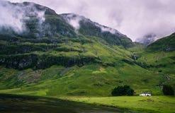 Schots landschap in dromerig regenachtig weer Stock Afbeelding