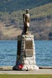 Schots oorlogsgedenkteken door loch Royalty-vrije Stock Fotografie