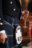 Schotse bruidegom in een Kilt Royalty-vrije Stock Afbeeldingen
