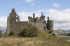 Schotse kasteel, whisky, geruit Schots wollen stof en kilten stock foto's