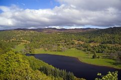 Schotse platteland en loch Stock Foto's