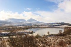Schottische Hochlandlandschaft im Winter Stockfotografie