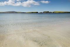 Schottische Landschaft mit Strand in den Shetlandinseln schottland Großbritannien Stockbilder