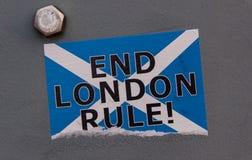 Schottische Unabhängigkeit: Enden-London-Regelaufkleber stockfotografie