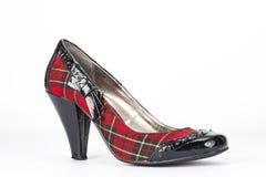 Schottischer eleganter Schuh mit Fersenschwarzpatent Lizenzfreies Stockfoto