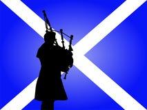 Schottischer Mann, der Bagpipes spielt Stockfoto