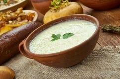 Schottischer Porree und Kartoffelsuppe stockfotos