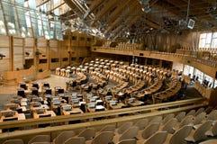 Schottisches Parlament, das Raum debattiert stockfotografie