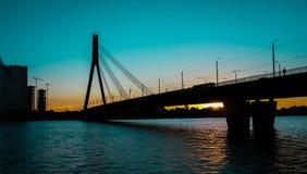 Schrägseilbrücke lizenzfreies stockbild