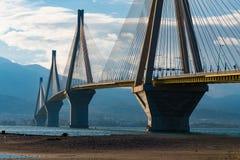 Schrägseilbrücke Rios Antirrio Es ist die Welt-` s längste Schrägseilbrücke stockbild