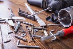 Schrauben, Bolzen und das Werkzeug Lizenzfreies Stockfoto