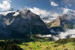 Schreckhorn in alpi, Svizzera Immagine Stock
