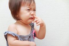 Schreeuwend Japans babymeisje Stock Foto's
