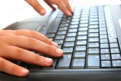 Schreiben auf dem Computer stockfoto