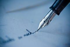 Schreiben auf den Umschlag Lizenzfreies Stockfoto