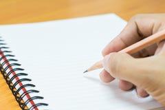 Schreiben auf Papier Stockfoto