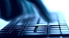 Schreiben auf Tastatur stock video footage