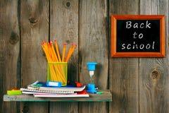 Schreiben-Bücher und Schulwerkzeuge Stockbilder