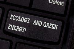 Schreiben der Anmerkung, die Ökologie und grüne Energie zeigt Geschäftsfoto Präsentationsumweltschutz, der die Wiederbenutzung au stockbilder