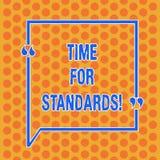 Schreiben der Anmerkung, die Zeit für Standards zeigt Präsentationsspezifikation des Geschäftsfotos für messende entweder Rate od lizenzfreie abbildung