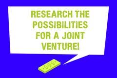 Schreiben der Anmerkung, welche Forschung die Möglichkeiten für ein Joint Venture zeigt Die Geschäftsfotopräsentation machen ein  lizenzfreie abbildung
