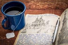 Schreiben der Reisezeitschrift Stockfotos
