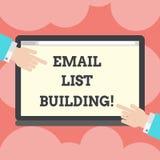 Schreiben des Anmerkungsvertretung E-Mail-Listen-Gebäudes Die Geschäftsfotopräsentation erlaubt die Verteilung von Informationen  lizenzfreie abbildung