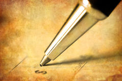 Schreiben des Checks stockbild