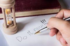 Schreiben Sie Motivationswort Lizenzfreie Stockfotos