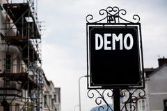 Schreibensanmerkung, die Demo zeigt Geschäftsfoto zur Schau stellende Probe-Beta Version Free Test Sample-Vorschau von etwas Prot stockbilder