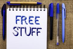 Schreibensanmerkung, die freies Material zeigt Geschäftsfotopräsentation ergänzend frei von den Kosten Chargeless gratis Costless Lizenzfreie Stockfotografie