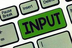 Schreibensanmerkung, die Input zeigt Präsentationsplatz des Geschäftsfotos, in dem Gerät durch Energie oder Informationen System  stockfoto