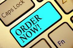 Schreibensanmerkungs-Vertretung Bestellung jetzt Stellen Präsentationsservice-Restaurants oder -speicher des Geschäftsfotos zur v lizenzfreie stockfotos