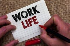 Schreibensanmerkungsvertretung Arbeits-Leben Geschäftsfoto, das eine tägliche Aufgabe zu ERN-Geld zur Schau stellt, Bedarf vom Ha lizenzfreie stockfotos