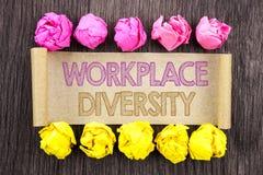 Schreibenstext Arbeitsplatz-Verschiedenartigkeit Konzept, das Unternehmenskultur-globales Konzept für die Unfähigkeit geschrieben stockfotos