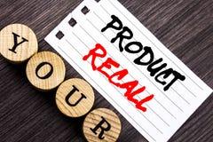 Schreibenstext, der Rückruf eines fehlerhaften Produktes zeigt Geschäftsfoto Präsentationsrückruf-Rückerstattungs-Rückkehr für di lizenzfreie stockbilder