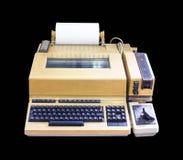 Schreibmaschinenaltes lokalisiert auf schwarzem Hintergrund stockbild