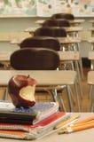 Schreibtisch 3 des Lehrers Stockbilder
