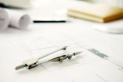 Schreibtisch des Technikprojektes Stockbilder