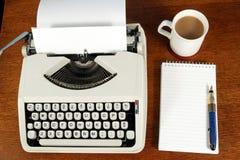 Schreibtisch eines Verfassers. Stockfoto