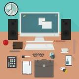 Schreibtisch mit Arbeitswesensmerkmale-Vektordesign Lizenzfreies Stockbild